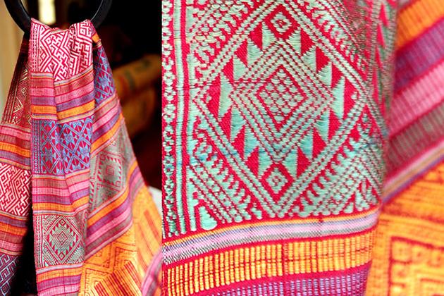 Laos Traditional Silk Weaving