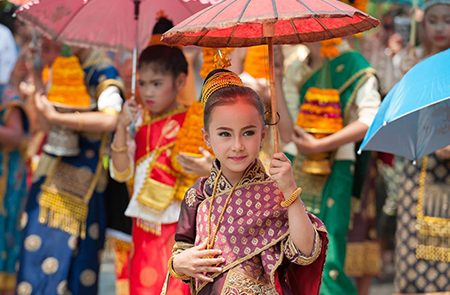 Traditional Dress & Costumes of Laotians