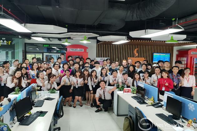 Visit to Software Company vietnam study tour
