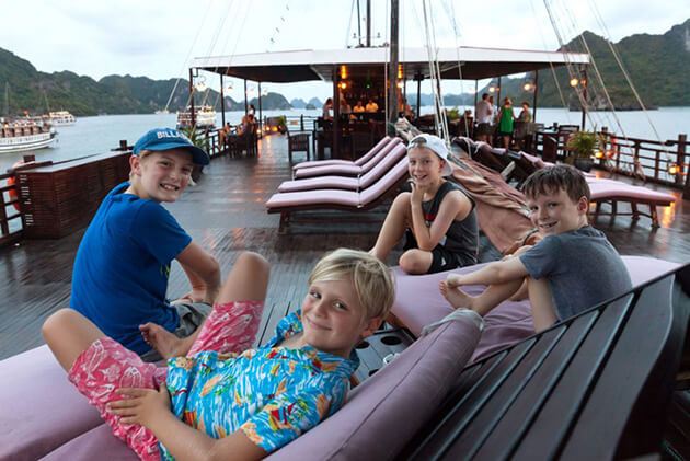 halong bay tour with kids