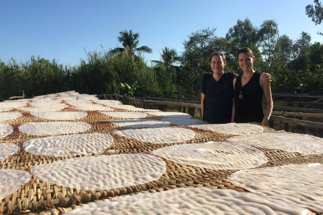 visit local house of making rice paper