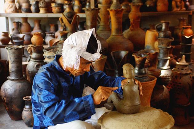 Bau Truc Pottery Village