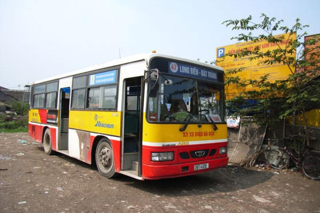 Catch-bus-47-to-get-to-Bat-Trang-Village
