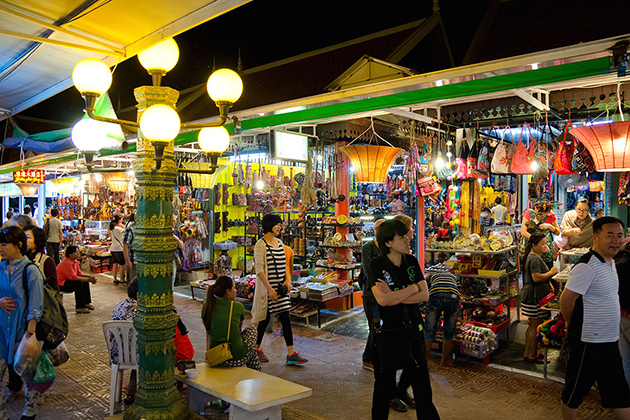 Ha Long Night Market