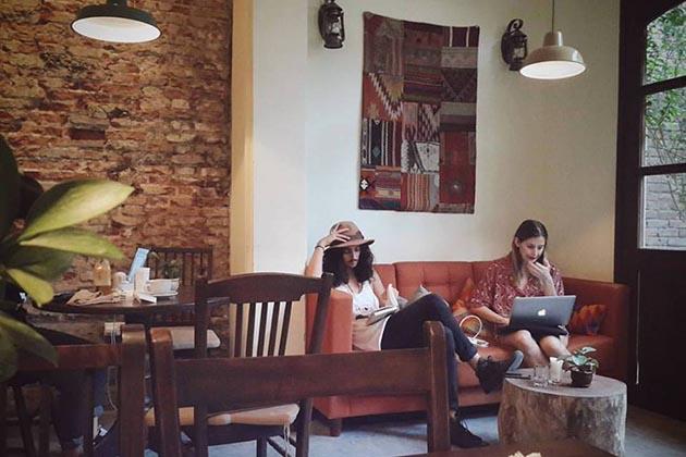 Xofa Cafe in Hanoi