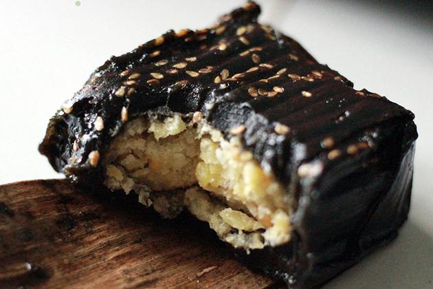 banh gai Thorn Leaf Cake Vietnam Cake