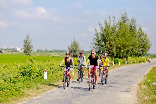 hue cycling tour