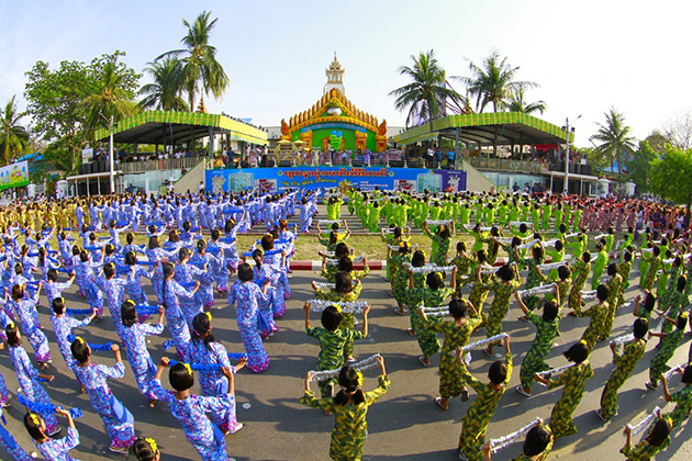 Traditional Dances and Costumes in Thingyan Main Event