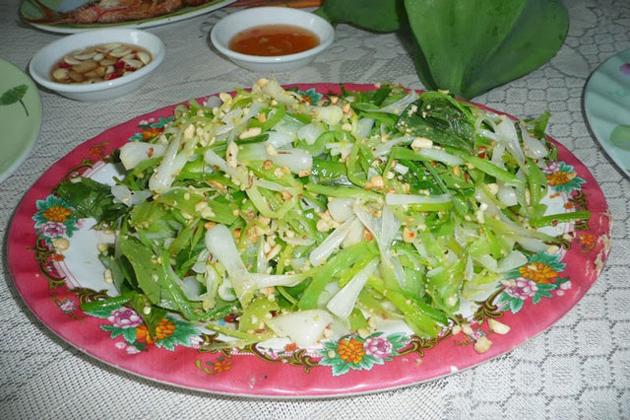 garlic salad ly son island