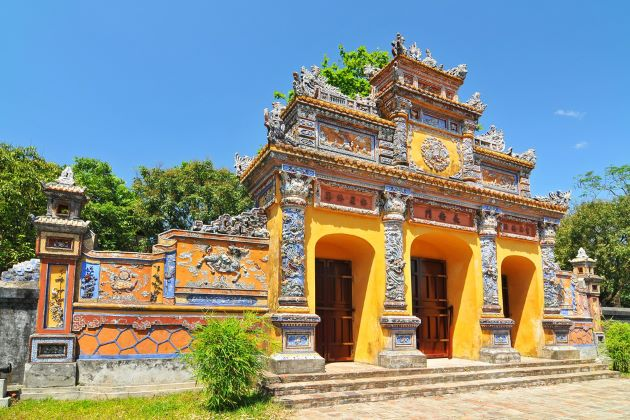 hue forbidden purple city vietnam tour in 9 days