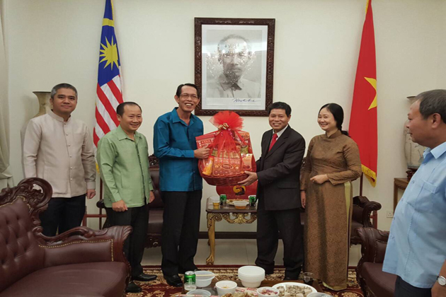 malaysian consulate - close relation between vietnam and malaysia