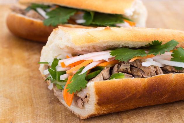 banh mi vietnamese baguette sandwich ho chi minh tours