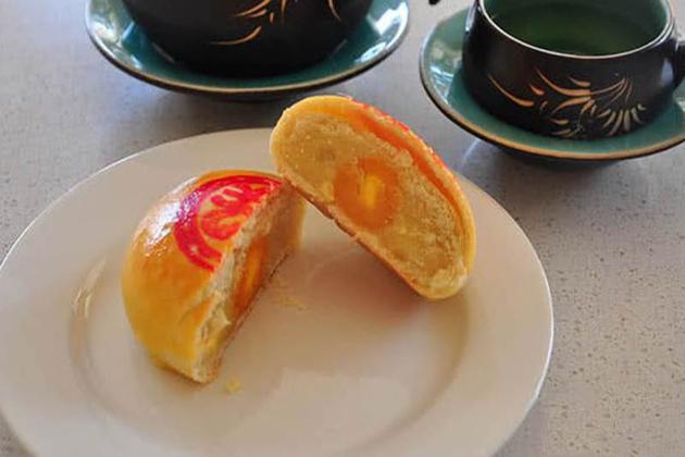 banh pia vietnamese durian cake vietnamese food names