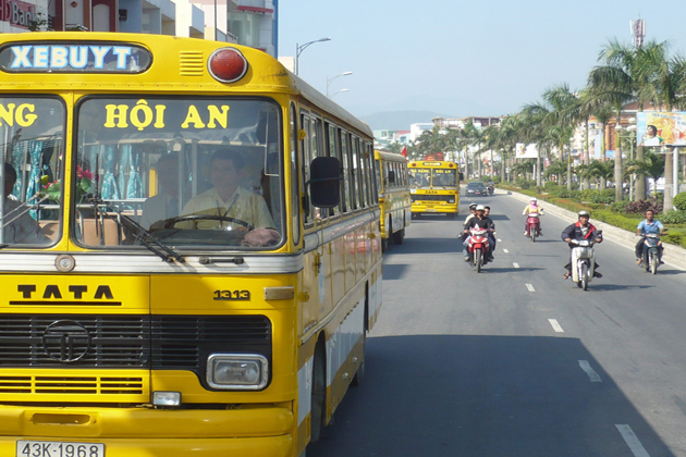 bus from danang to hoi an