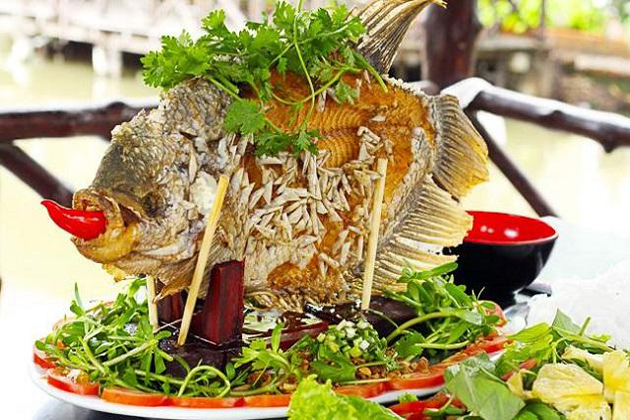 ca tai tuong chien xu deep fried gourami fish vietnamese food list with pictures
