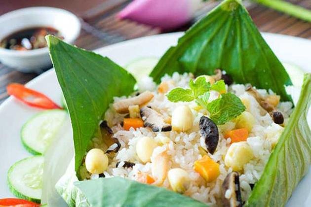 com goi la sen rice wapped in lotus leaves vietnamese food names