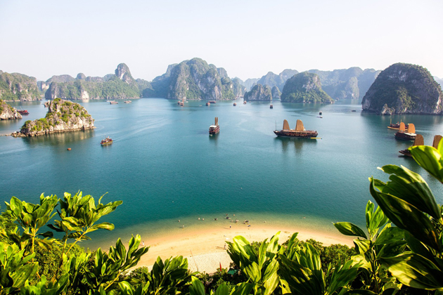 halong bay vietnam cycling tour
