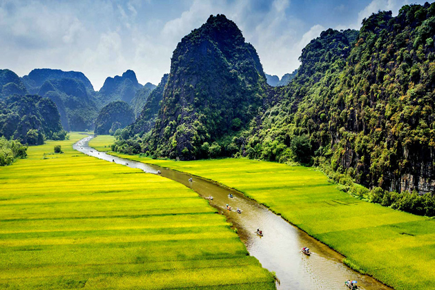 is it safe to travel to vietnam 1