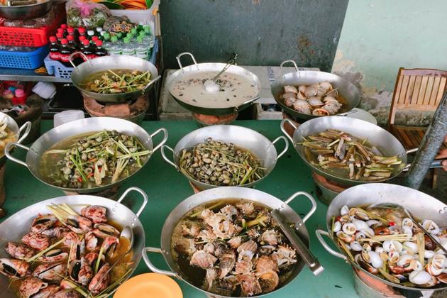 oc vietnamese shellfish ho chi minh city tours