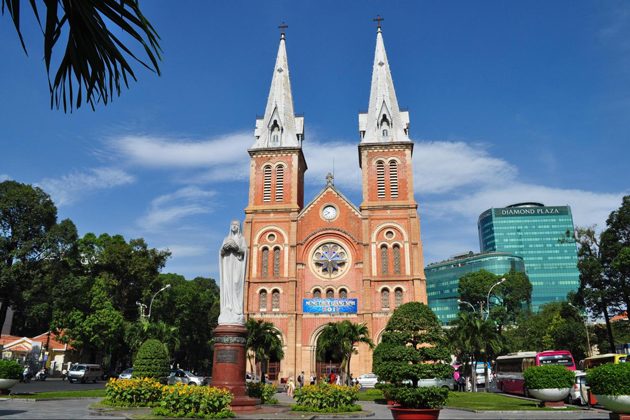 saigon cathedral of notre dame ho chi minh city tour