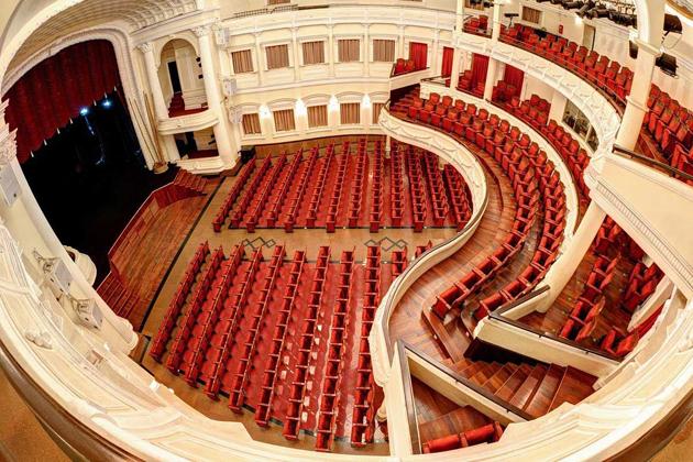 saigon opera house ho chi minh city tour