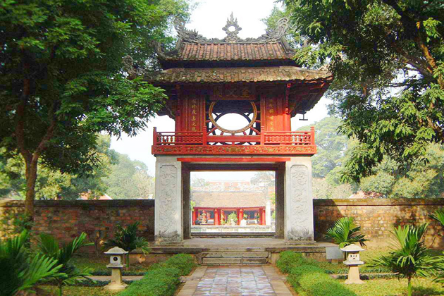 temple of literature ha giang tour
