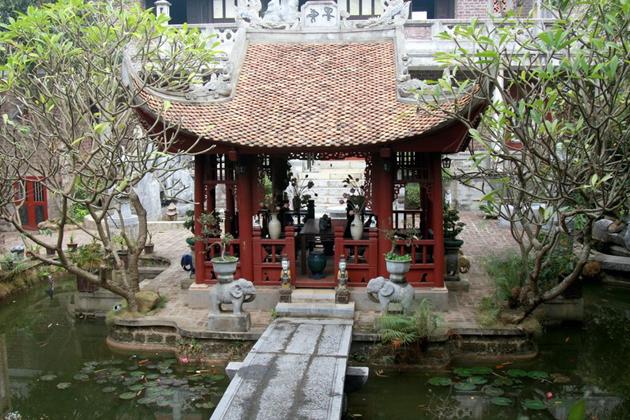 thanh chuong viet palace vietnam
