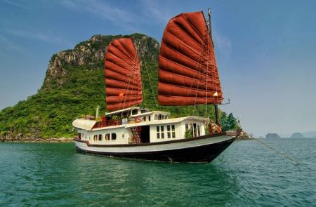 the best of Vietnam tour packages 12 days