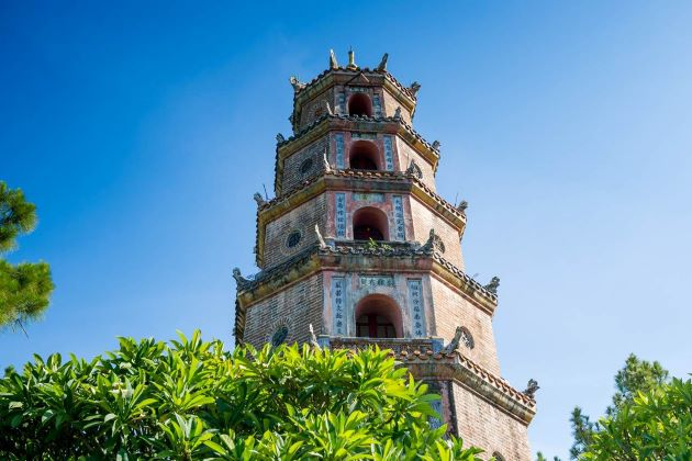 the tower of thien mu pagoda in hue
