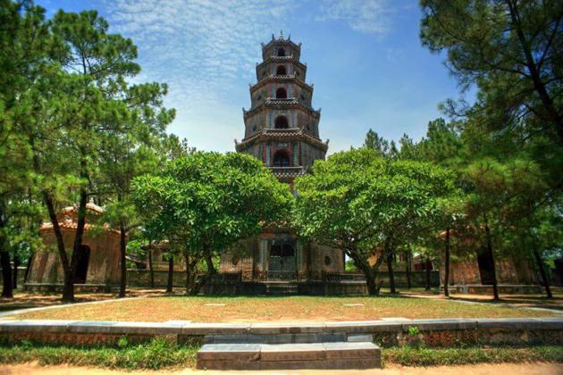 thien mu pagoda vietnam cycling tour