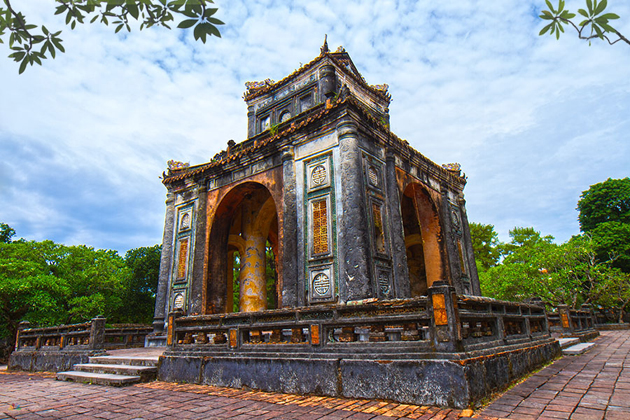 tomb of king tu duc in hue