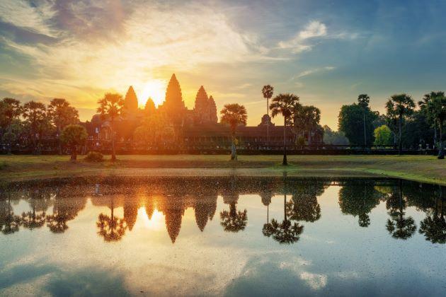 angkor wat at the sunset