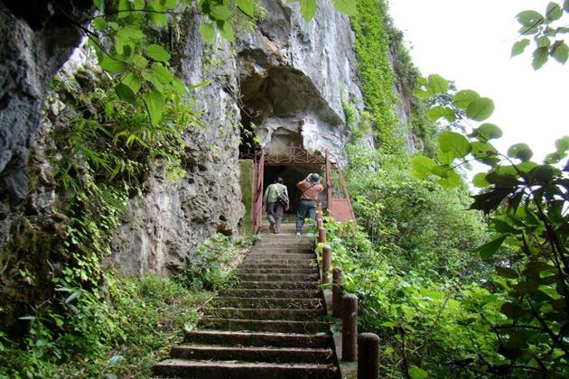 cat ba cave cat ba national park vietnam vacation