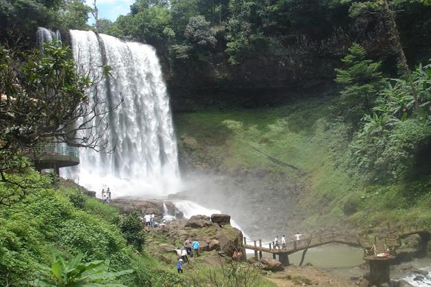 dambri waterfall dalat tours