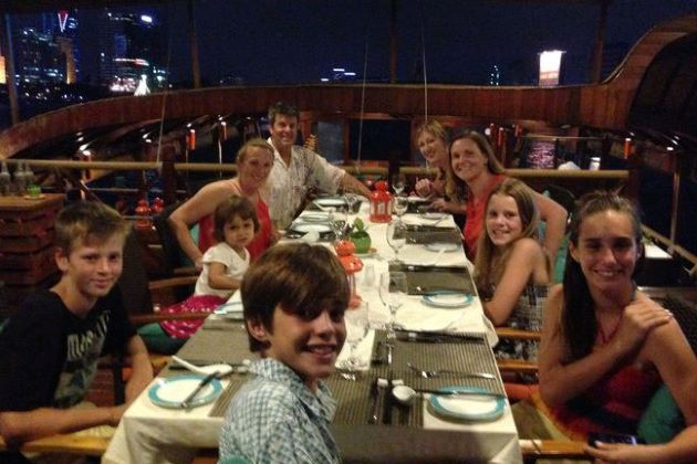 dinner on Saigon River Cruise for family