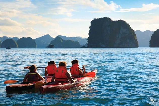 halong bay kayaking World Heritage Site in Vietnam