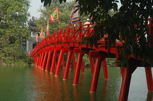 the huc bridge to ngoc son temple at hoan kiem lake