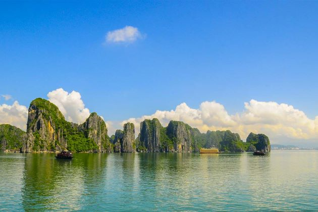 the magnificent halong bay in vietnam