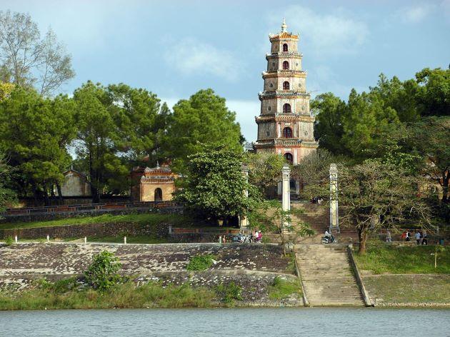 thien mu pagoda view from halong bay