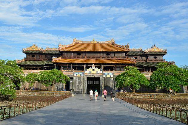 visit hue imperial citadel