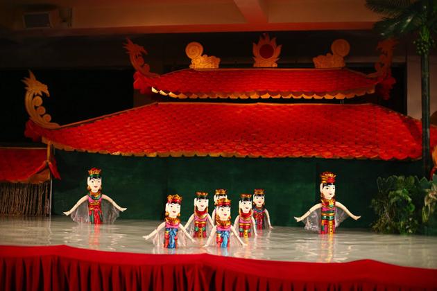 water puppet hanoi travel