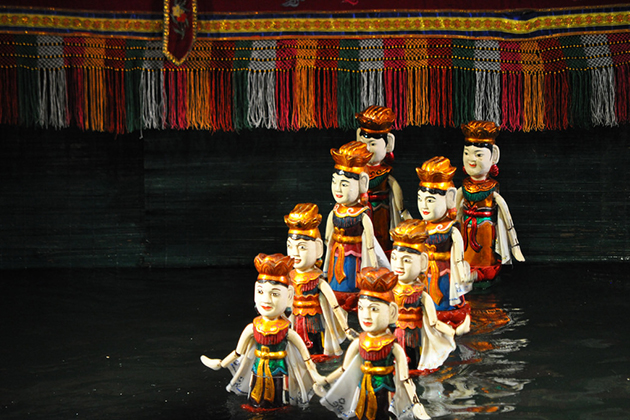 water puppet performance in hanoi