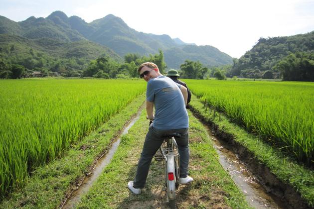 Choose the Most Convenient Way to Travel mai chau tours