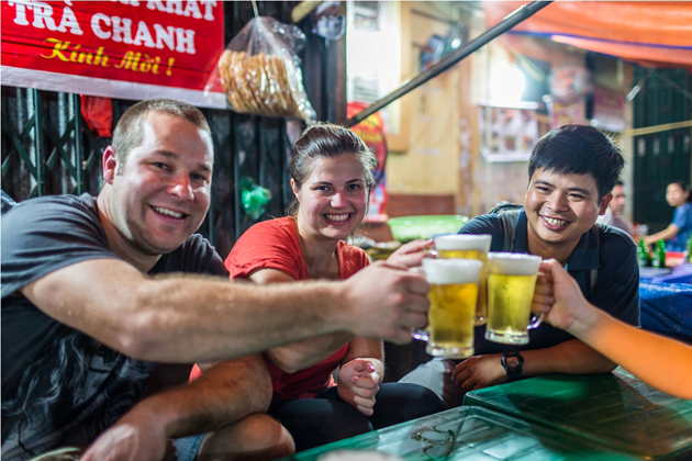 Drinking Customs in Vietnam Vietnamese dining etiquette and custom