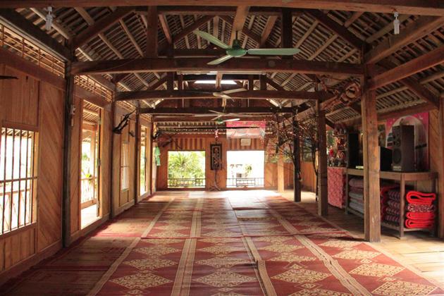 Stilt house in Mai Chau mai chau tours