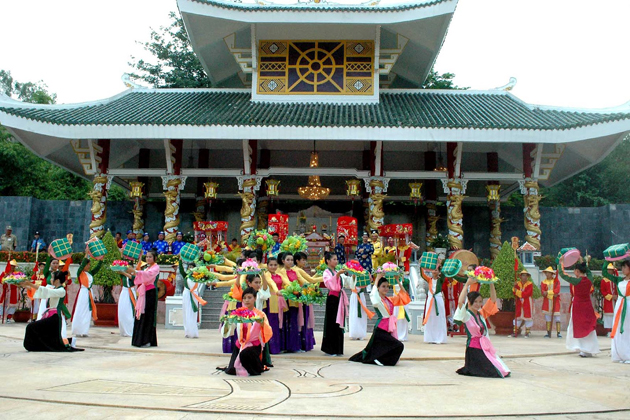 ba chua xu temple chau doc vietnam vacation