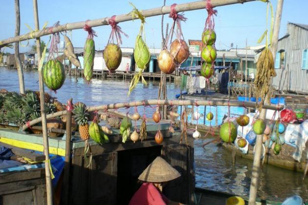 chau doc floating market vietnam vacation
