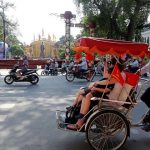 join cyclo tour around hanoi old quarter