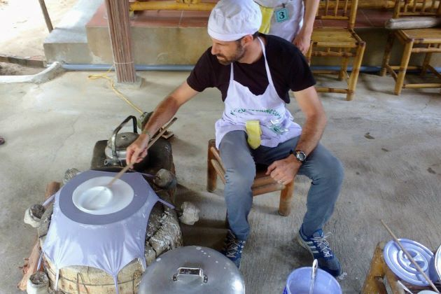 learn how to cook traditional vietnamese dishes in hoi an