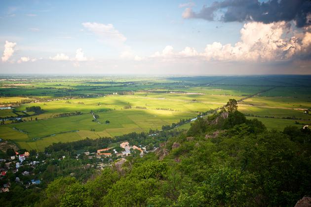 sam mountain chau doc vietnam vacation
